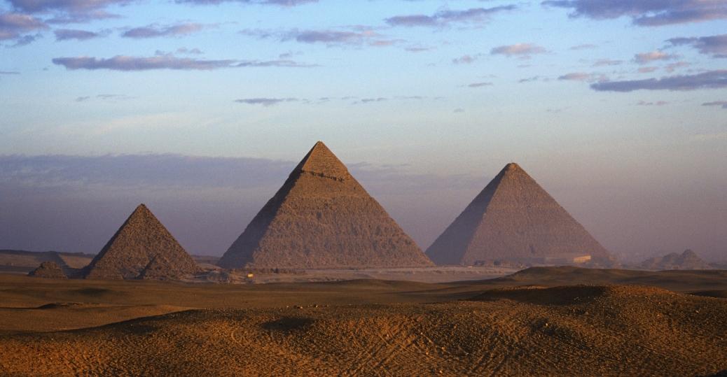 pyramids-giza-P